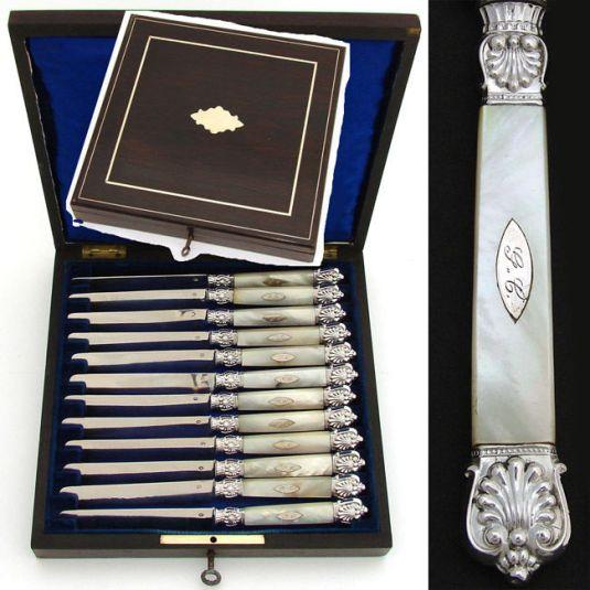 Juego de cuchillería de plata y madreperla. Francia 1850.