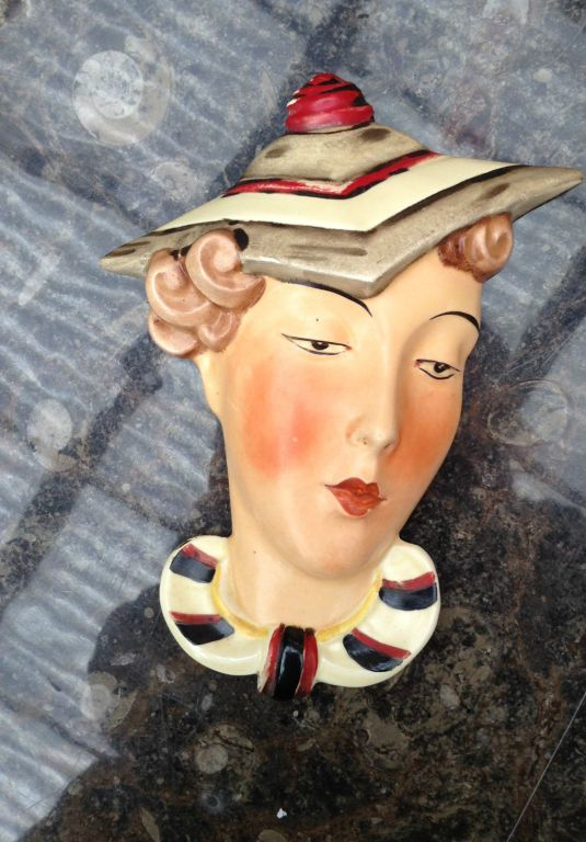 Rostro Art Decó con sombrero de porcelana Royal Dux Checoslovaquia 1930