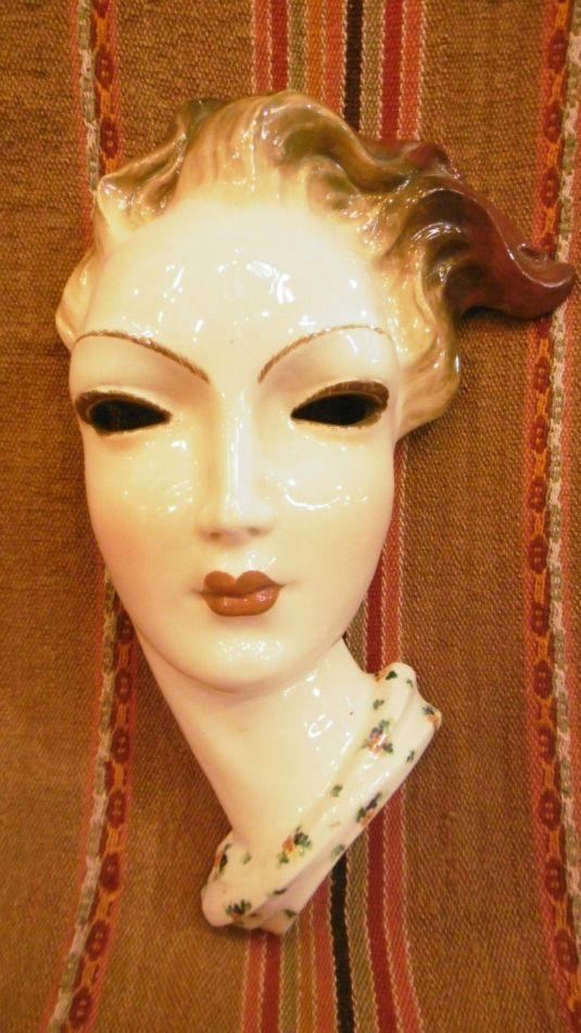 Rostro Art Decó de cerámica italiana firmada 20s