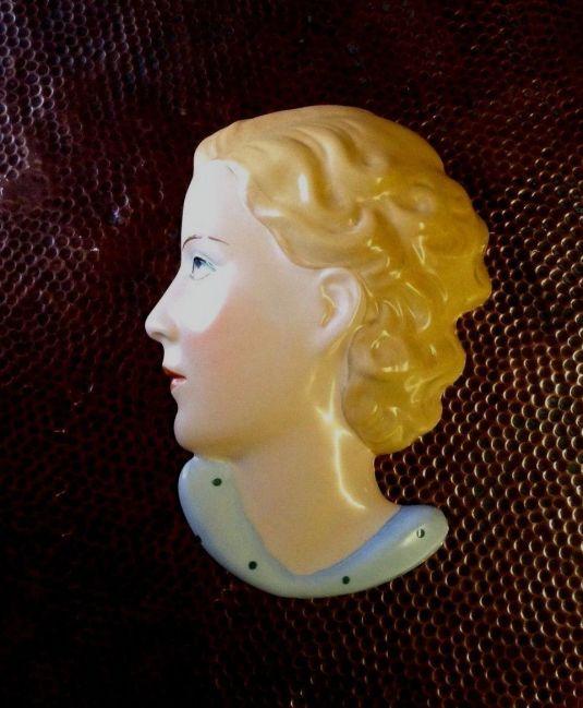 Rostro perfil Art Decó de porcelana Royal Dux Checoslovaquia 1930