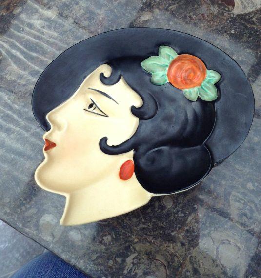 Rostro perfil con sombrero Art Decó de porcelana Royal Dux Checoslovaquia 1930