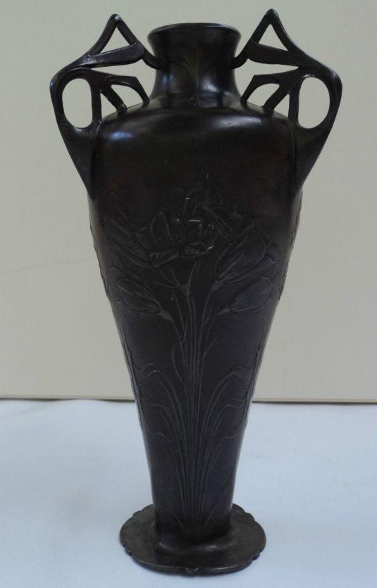 jarrón Jugendstil de peltre Alemania 1910