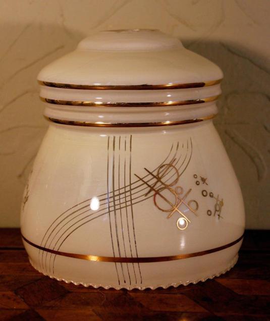 Art Deco Jazz lámpara de vidrio lechoso con disenos geométricos del Art Deco Jazz , Inglaterra 1930s