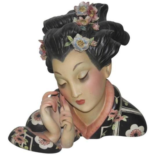Guido Cacciapuoti gran busto de geisha de 30 cm de alto, fabricado por la Cía. G J Elcod y disenado por Cacciapuoti, 1930s