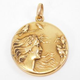 Medallón Art Nouveau de oro amarillo de 10k. Estados Unidos 1910
