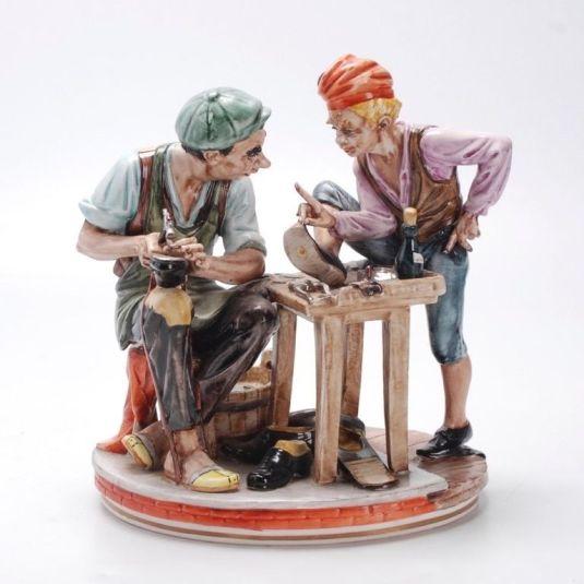 oficio zapateros de porcelana bisquit, Alemania 1950