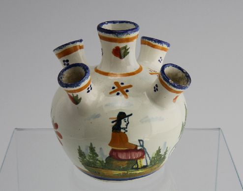 florero tulipán en cerámica Francia fines del siglo XIX