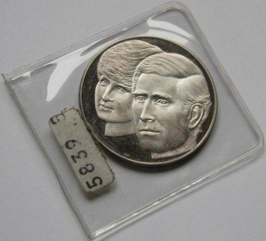 Diana medalla de plata de 1981 conmemorando el matrimonio de Diana y el Príncipe Carlos