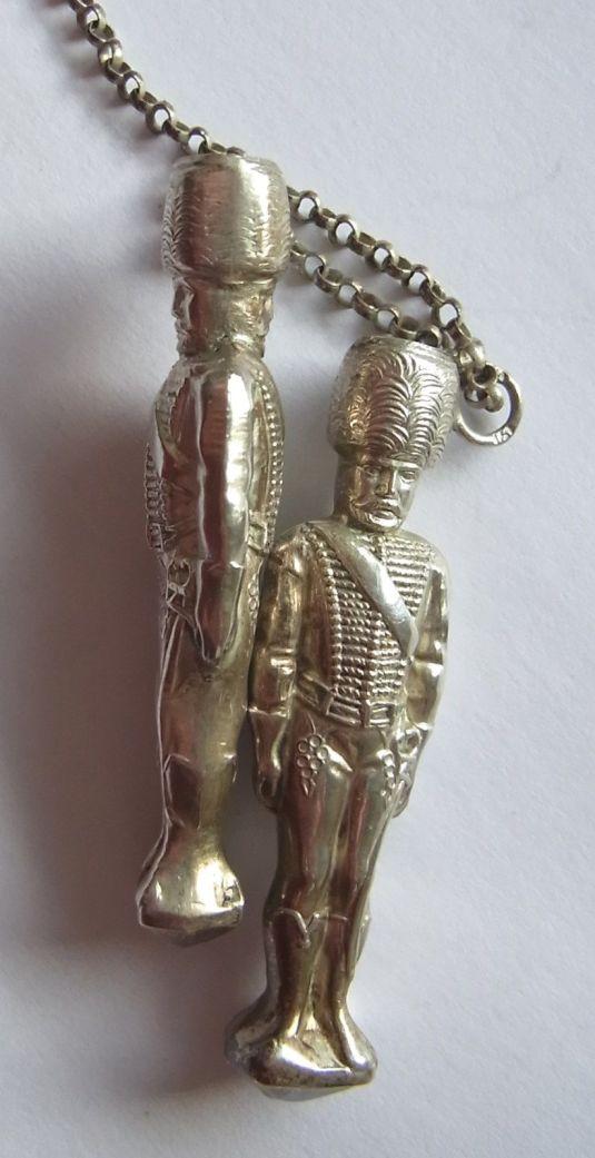 porta agujas soldados de plata Alemania 1880